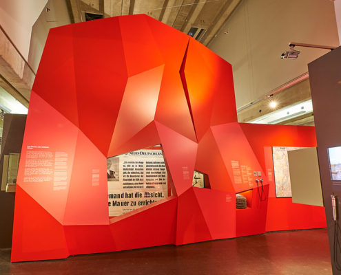"""""""Wie ein Pulverfass! Berlin-Krise und Mauerbau""""- Ausstellungsbau"""
